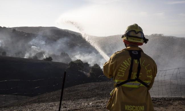 Северна Калифорния блокирана заради пожарите