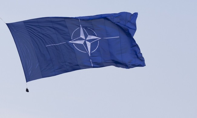 НАТО отрече да подготвя инвазия в Беларус