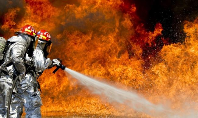 Голям горски пожар гори край Свиленград