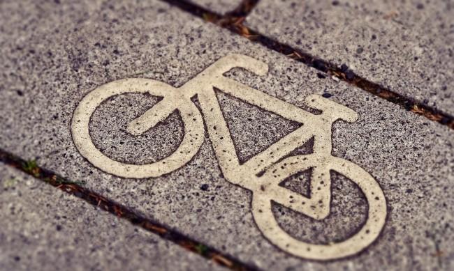 20-годишен шофьор блъсна велосипедист в Слънчев бряг