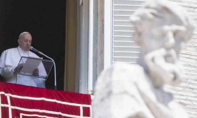 Папа Франциск ще възобнови седмичните публични аудиенции