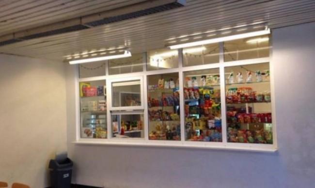 Проверки на сандвичите в училищните лавки от 15 септември