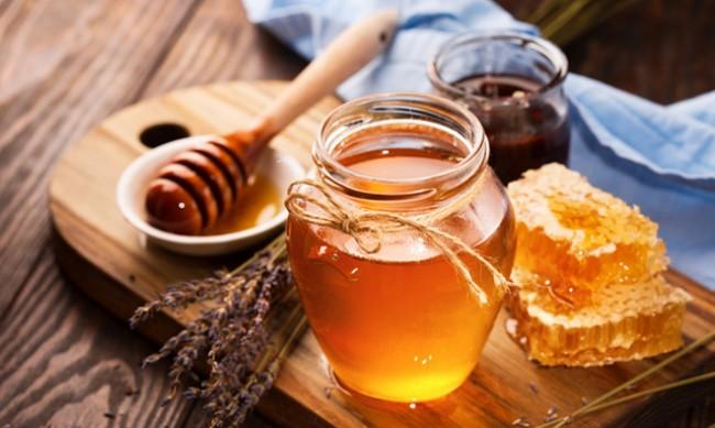 Защо да пиете вода с мед?