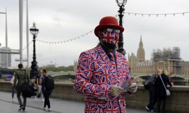 Лондон отмени ограничения, наложени заради коронавируса