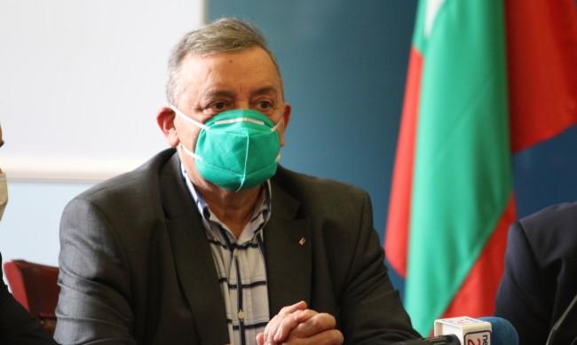 Проф. Кантарджиев: Епидемията затихва, но идват есенните вируси