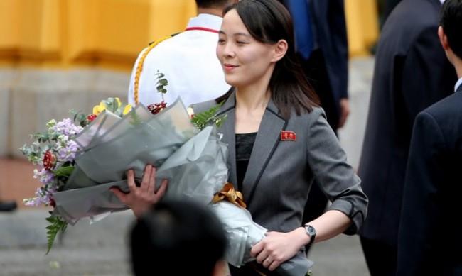 Слух в Северна Корея: Ким Чен Ун убил сестра си Ким Йо Чен?