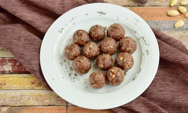 Рецептата Dnes: Домашни сурови бонбони с фурми