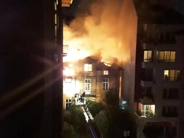 Пожар е избухнал в къща в центъра на София тази
