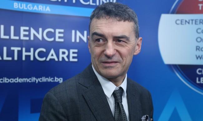 Хапче-чудо срещу COVID-19 създадоха двама български лекари