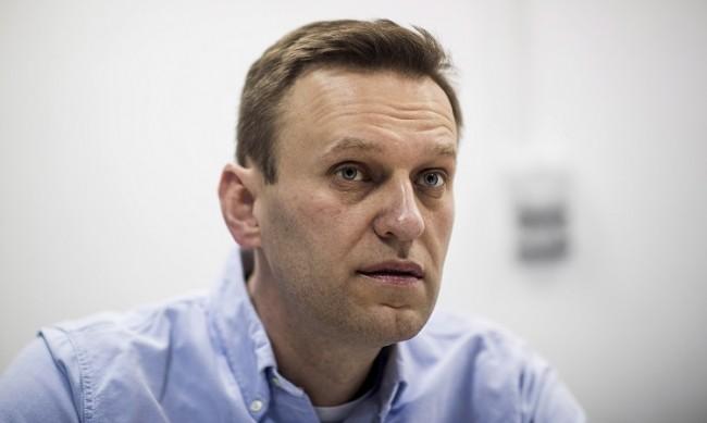 """Извадиха отровения с """"Новичок"""" Алексей Навални от комата"""