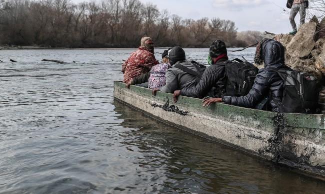 """Отново пожар в претъпкания гръцкия лагер за мигранти """"Мория"""""""