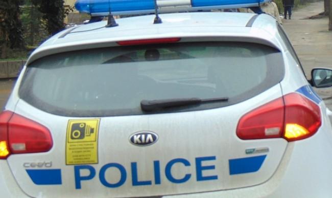 Врачанин хвърли 100 евро на полицаи, задържаха го