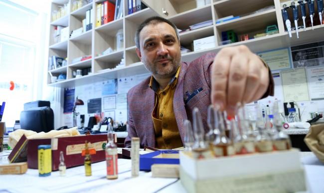 Доц. Чорбанов: БГ ваксина за COVID-19 поне след година