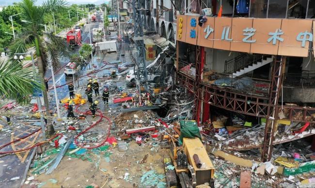 Експлозия край хотел в Китай, има и ранени