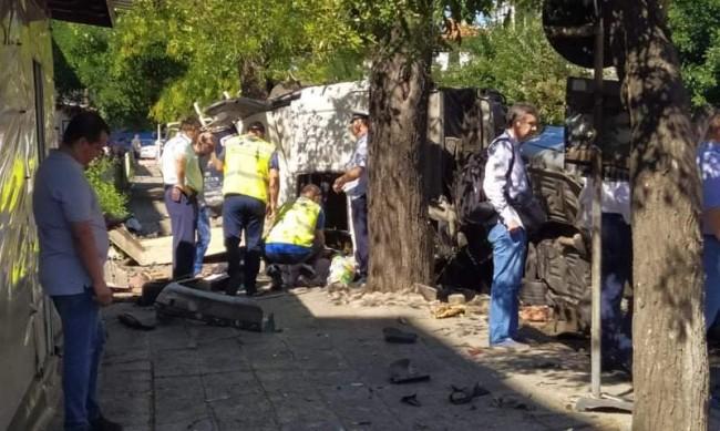 Блъснатата от камион в Айтос жена родила преди три дни