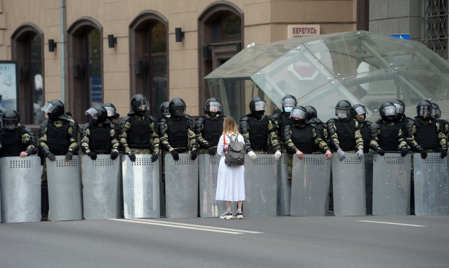 "Какво пречи на Беларус да изживее своя ""Арабска пролет""?"