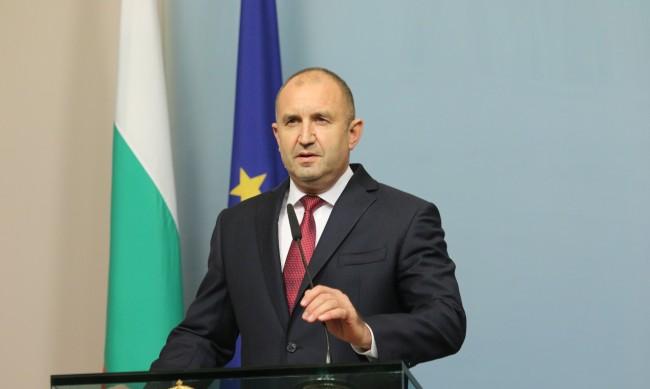 Радев пак поиска оставка: Времето за диалог изтече