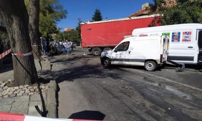 Оставиха в ареста шофьора, причинил катастрофата в Айтос