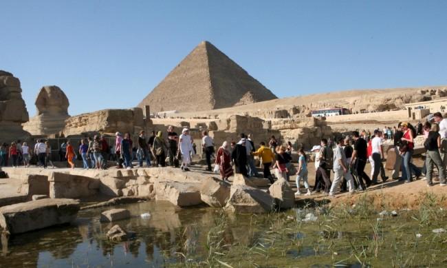 Великата пирамида в Гиза продължава да крие тайната си