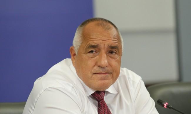 Борисов благодари на пожарникарите за смелостта им