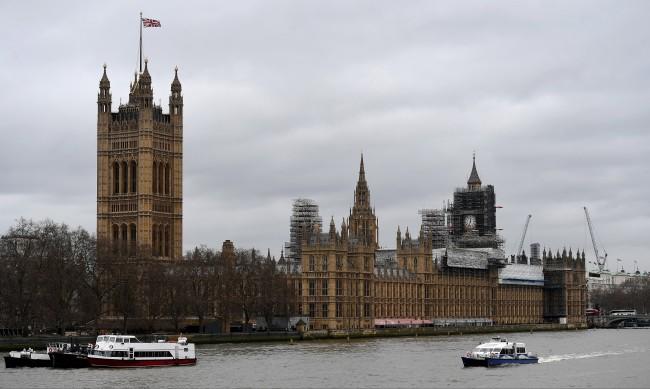 Лондон постави под въпрос бъдещето на Brexit със сделка
