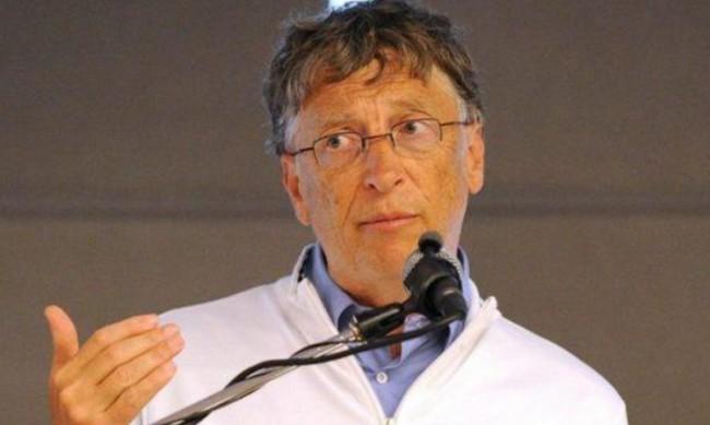 Бил Гейтс: Пандемията ще започне да намалява през 2021 г., ще свърши 2022 г.