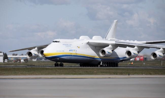 Полша спира полетите от и до Франция заради COVID-19