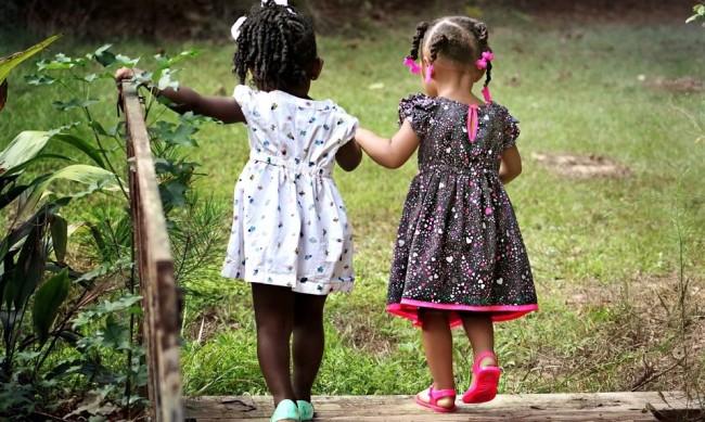 Заради коронавируса отмениха почивките на приемните семейства