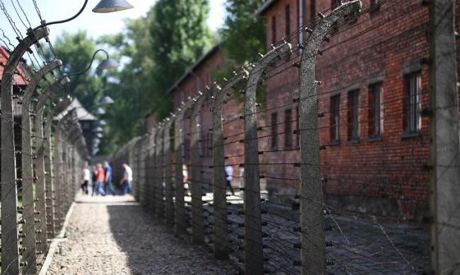 Шокиращо безразличие - 2/3 от американците не знаят нищо за Холокоста