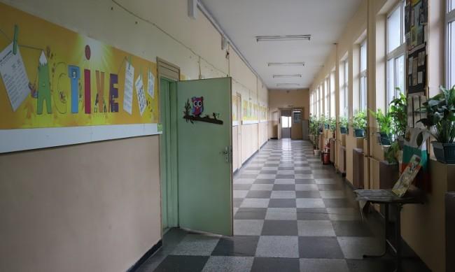 Втори ден на училище, първи заразен с коронавирус в клас