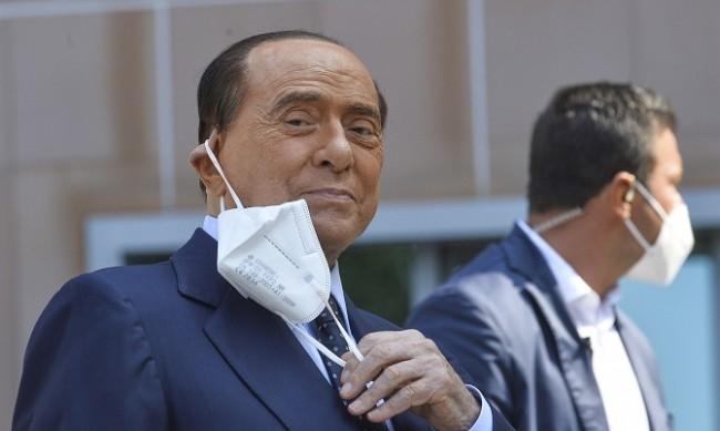 Как Берлускони, който страда от диабет и болно сърце, пребори COVID-19?