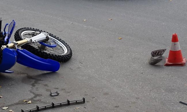 Пиян шофьор блъсна моторист на столичен булевард