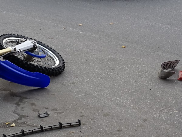"Пиян шофьор на автомобил удари моторист на столичния булевард ""Климент"