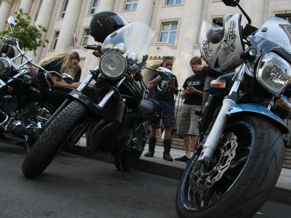 """Шествие на мотористи под надслов """"Толерантност на пътя"""" ще се"""