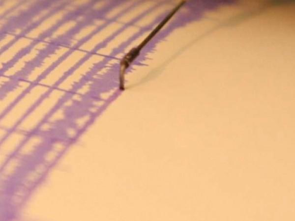 Земетресение от 5,9 по Рихтер е регистрирано тази вечер около