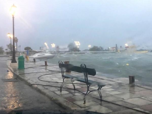 """В Гърция силно земетресение удари остров Крит, а циклонът """"Янос"""""""