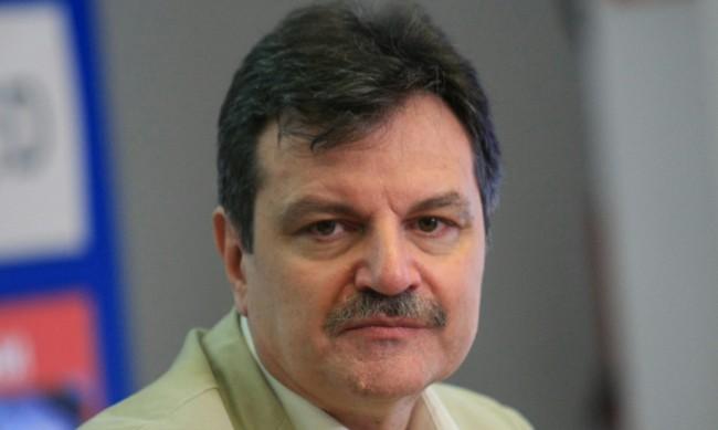 Д-р Симидчиев: Заразяването с COVID-19 в училищата не е проблем