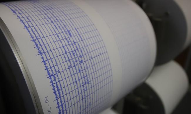 Земетресение с магнитуд 5,3 разлюля Турция