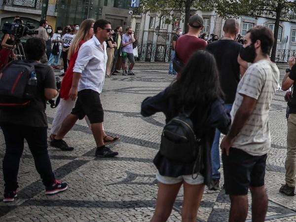Гръцките власти обмислят възстановяване на пълната карантина на фона на