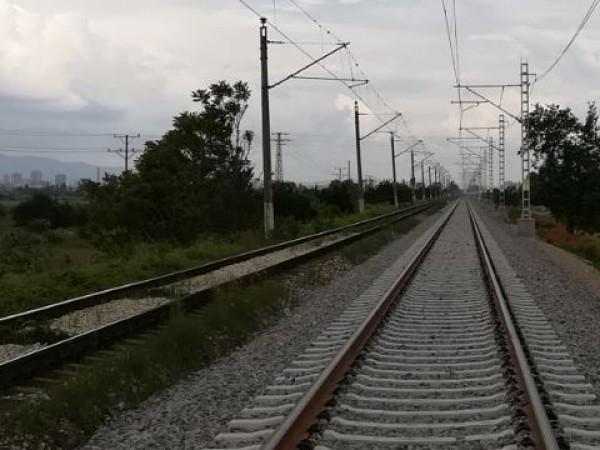 Психолог коментира трагичния инцидент, при който на жп линия в