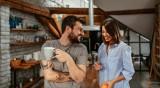 Защо е важно да научите езика на любовта на партньора си