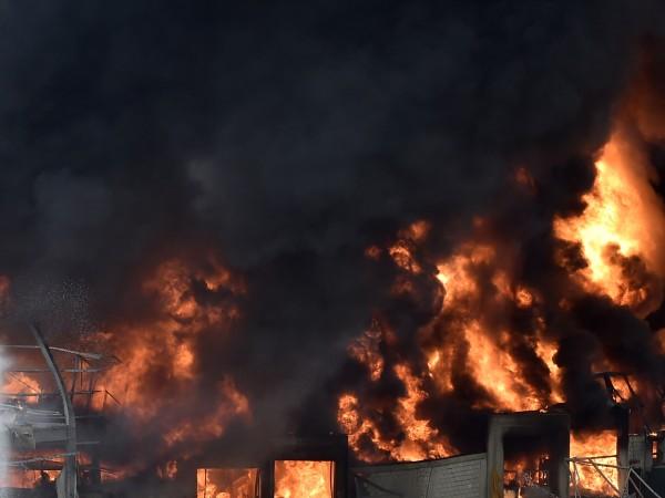 Оръжеен склад на Хизбула се е взривил в Южен Ливан.
