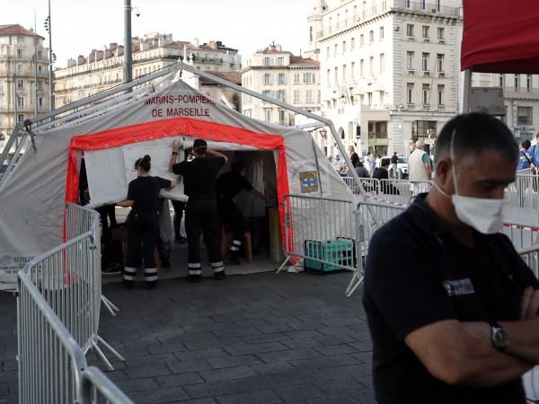 Френското правителство обяви вчера нови мерки за борба с пандемията