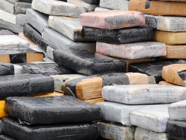 Британската полиция съобщи, че е заловила 1 тон кокаин, укрит