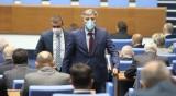 Депутатите питат, министър отговаря: Носете си маските в НС!