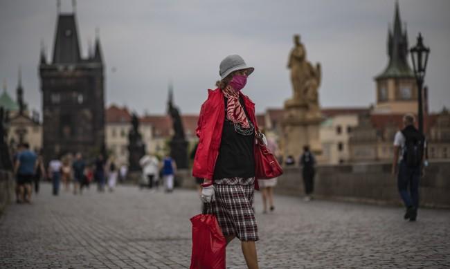 Чехия втора в Европа по заразени с коронавирус