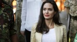 Анджелина Джоли на пазар, но с тоалет на  Valentino