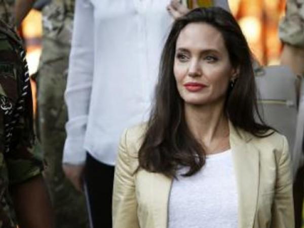 Анджелина Джоли не е обикновена майка, тя е готина майка.