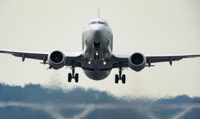 Пътници искат прегради в самолета, за да пътуват при пандемия
