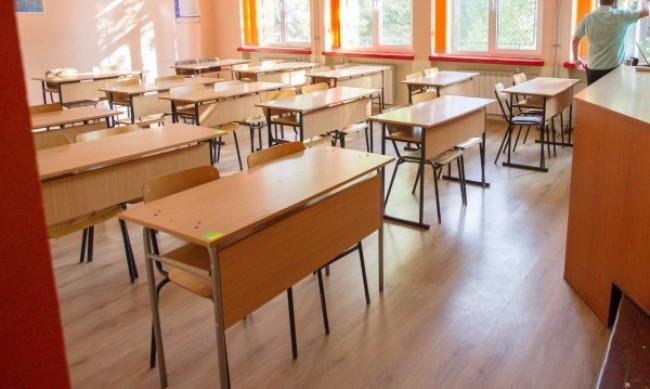 Петима гимназисти са с COVID-19 в Силистренско